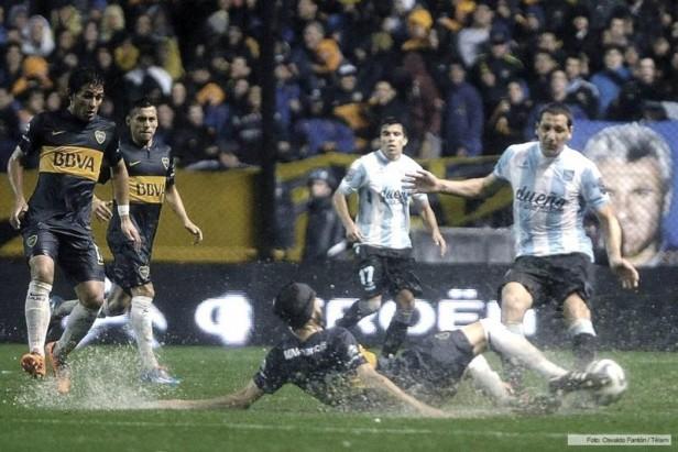 Boca y Racing completan los 34 minutos del partido suspendido por lluvia