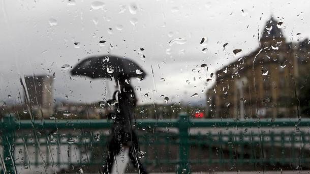 Lunes lluvioso y frío: Cómo seguirá el tiempo durante la semana