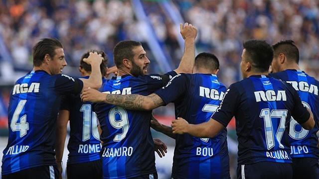 Primera División: Racing goleó a Vélez como visitante