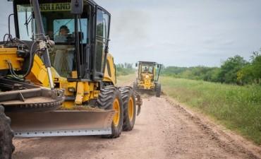 Recuperan caminos secundarios del departamento Uruguay