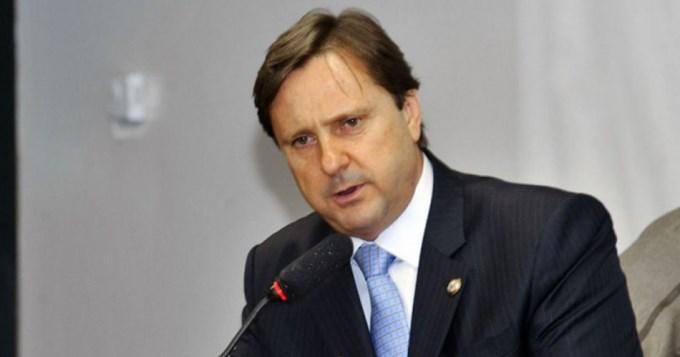 Senador que votó contra Dilma confesó que ella