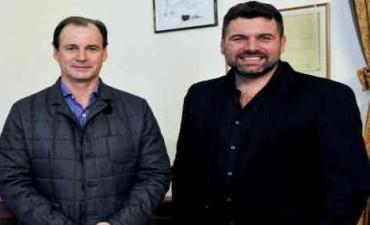 El gobernador Gustavo Bordet llega a Federal