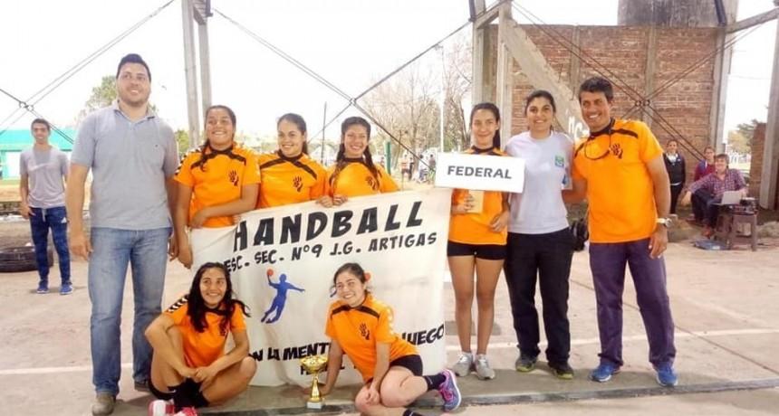 Federal fue sedel: más de 1.800 estudiantes participaron de los interescolares regionales de handball