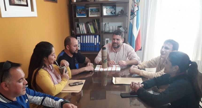 EL INTENDENTE RECIBIÓ A LA NUEVA COMISIÓN DE CLUB LAS FLORES
