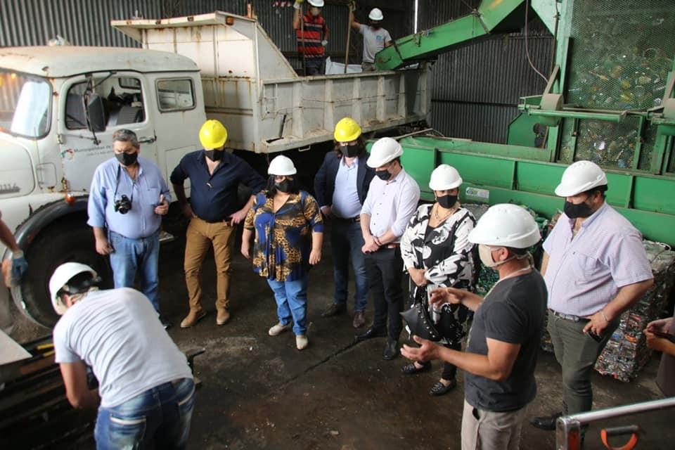 NANCY MIRANDA Y GERARDO CHAPINO EN ACTO PROTOCOLAR EN LA PLANTA DE RESIDUOS