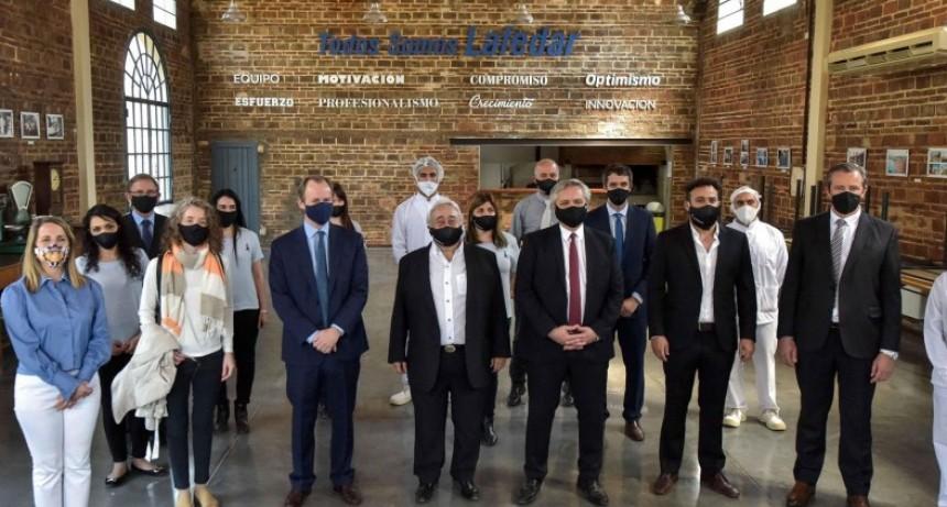 El Presidente y Bordet visitaron un laboratorio que exporta a 30 países