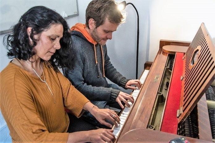 """""""Entremanos"""", una luminosa experiencia de encuentro en torno al piano y el folklore"""