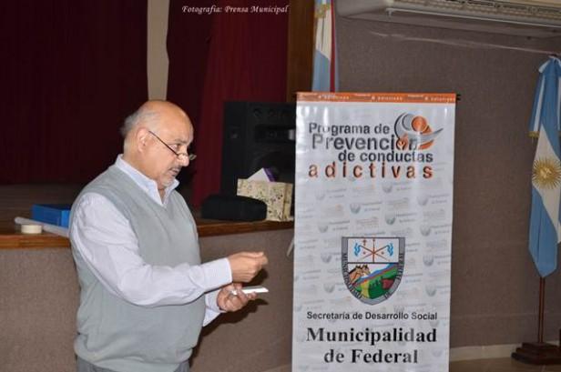 Felipe Torres brindó un taller de capacitación sobre la prevención de adicciones