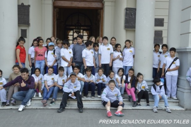 """La Escuela Privada N° 52 """"José de San Martín"""" visitó la ciudad de Paraná"""