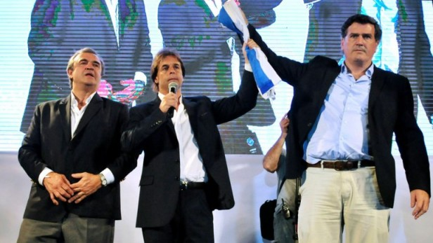 Complicado escenario para el opositor Lacalle Pou en la segunda vuelta en Uruguay