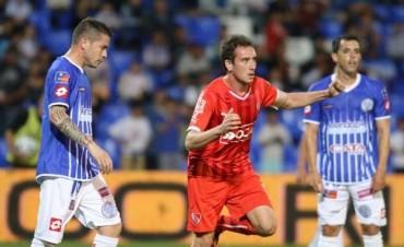 Independiente empató sobre el final y perdió la chance de acercarse a River