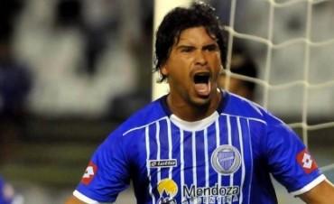 Insólito: un jugador de Godoy Cruz se peleó con un compañero, se enojó y le pidió el cambio al DT