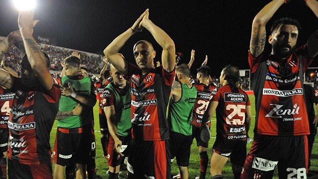 Con un gol en el final, Patronato venció a River y logró su primera victoria en el torneo