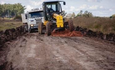 Continúa el mantenimiento de caminos en el departamento Colón