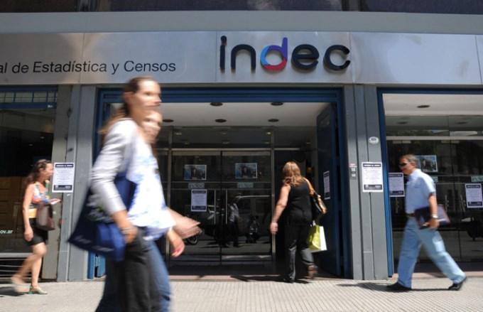 Indec: Se perdieron 120.000 empleos en el semestre