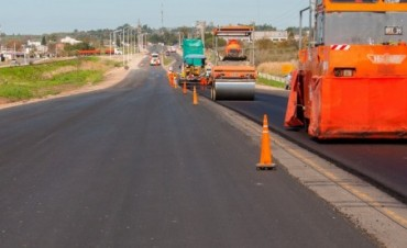 Invierten mil millones de pesos en obras viales para el departamento Paraná