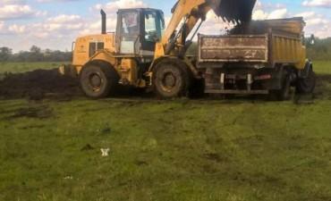 Continúa el mantenimiento de caminos en zonas rurales