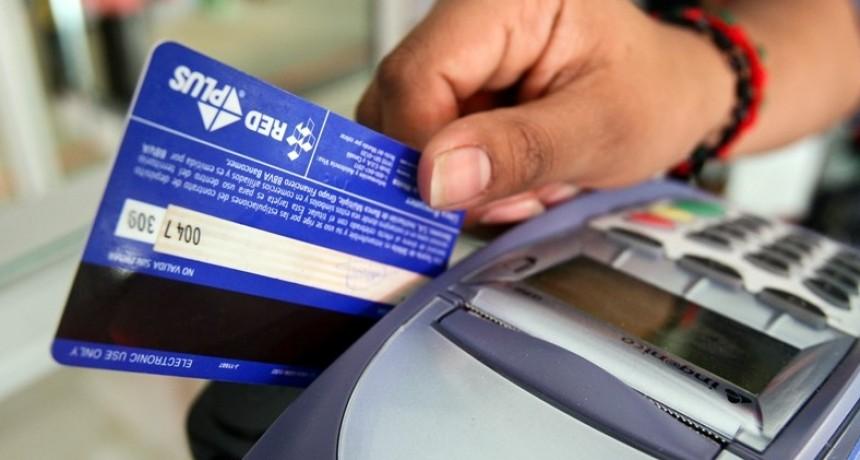 Planean sortear $ 500.000 por semana entre quienes paguen con tarjeta de débito