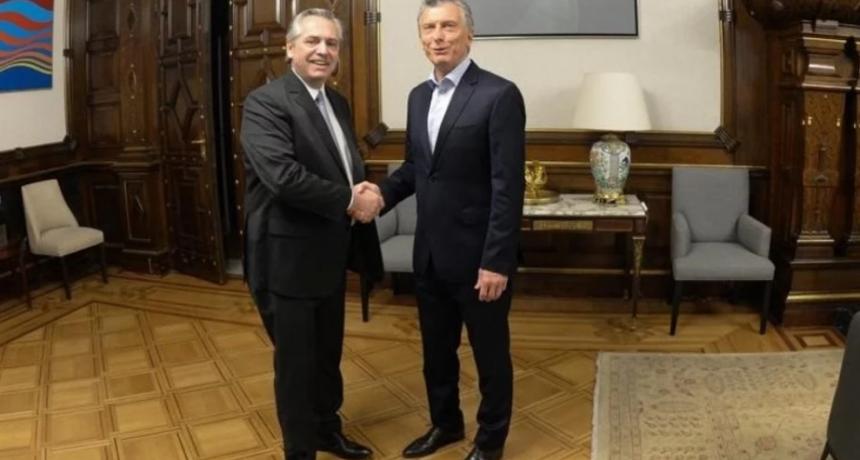 Alberto Fernández se reunió con Mauricio Macri y presentó una lista de colaboradores para el proceso de transición