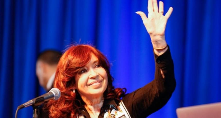 La Justicia revocó dos procesamientos de Cristina Kirchner en causas vinculadas a los cuadernos