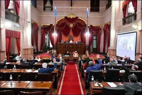 El Senado entrerriano aprobo por unanimidad la ley de enfermeria y el regimen de proteccion, asistencia y prevencion de la violencia contra las mujeres