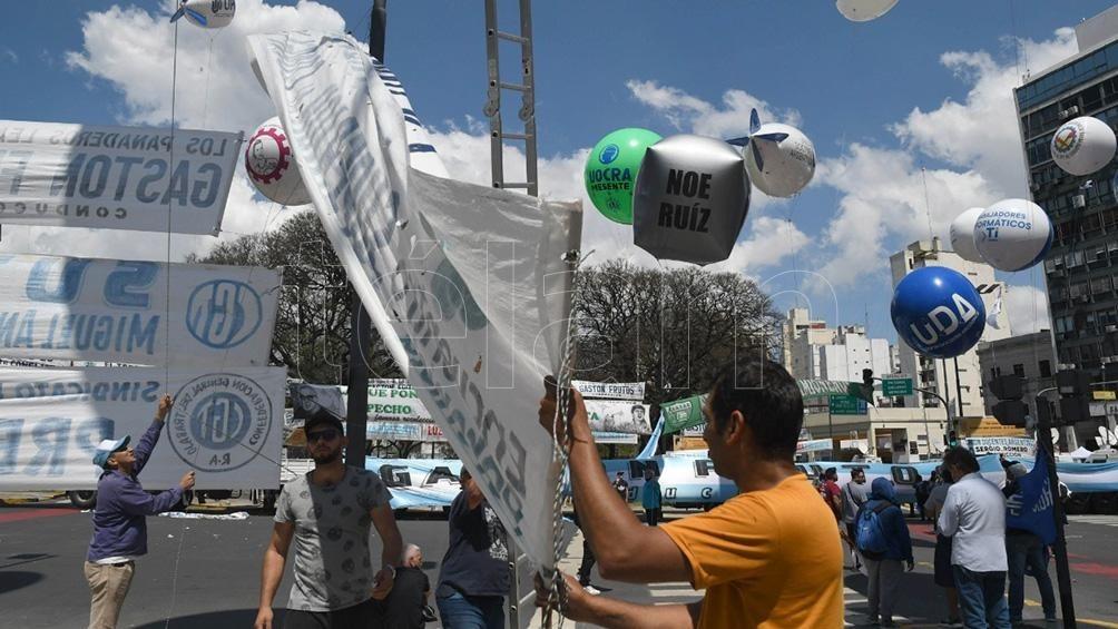 La primera gran movilización sindical tras la pandemia Día de la Lealtad: una multitud en el acto convocado por la CGT