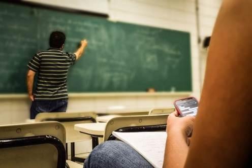 Docentes universitarios insisten en ser incluidos en la discusion por el regreso a las aulas