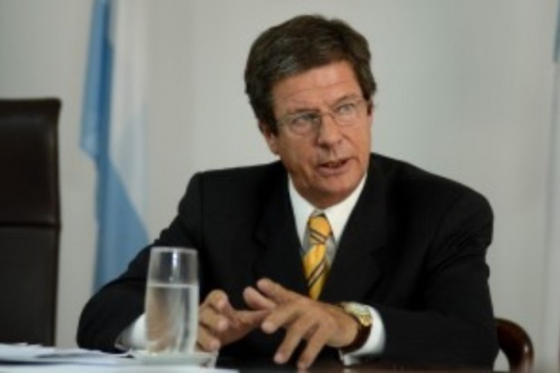 Hugo Cettour dejó su cargo en el Ministerio de Salud