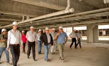 Allanaron el PAMI para investigar préstamos y obras inconclusas de los hospitales del Bicentenario