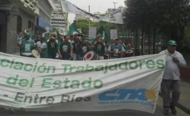 Sigue la huelga de estatales en Entre Ríos: ATE advirtió que