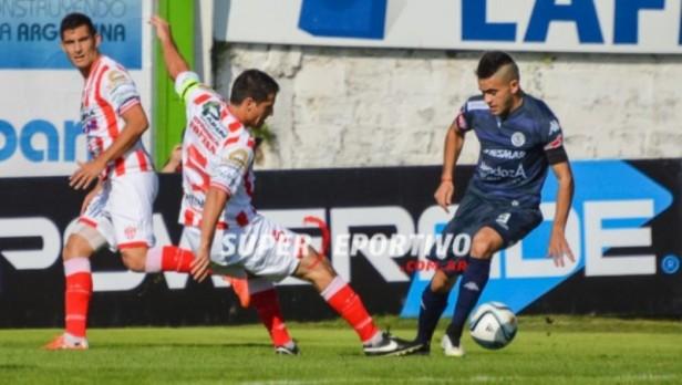 Atlético Paraná ganó en Gualeguaychú
