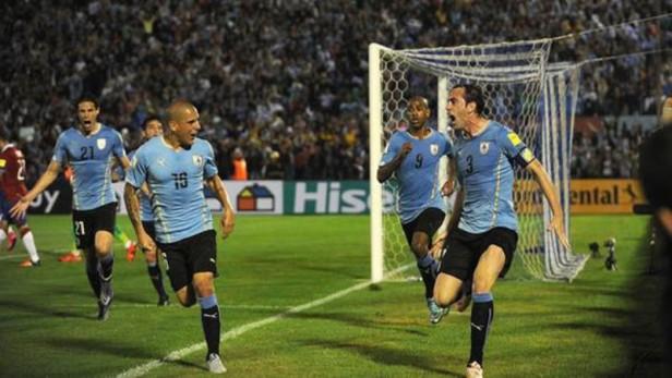 Eliminatorias: Uruguay se tomó revancha ante Chile en Montevideo