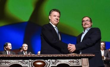 El gobierno colombiano y las FARC firmaron un nuevo acuerdo de paz