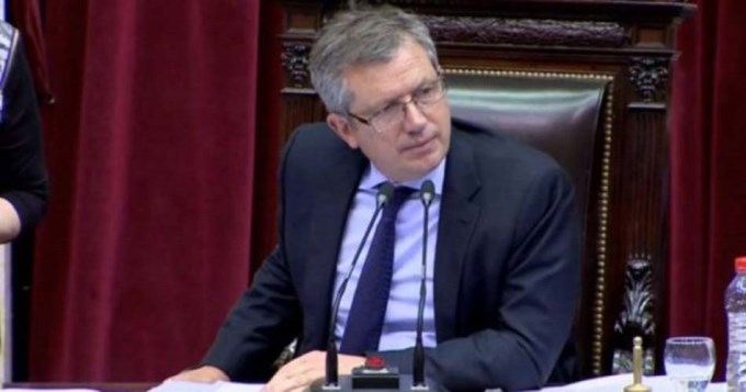 Frenan escandalosa suba de sueldos a diputados