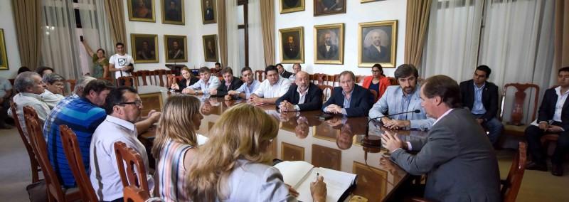 Bordet acordó acciones con municipios y juntas de Concordia por 19 millones de pesos para nuevos accesos viales