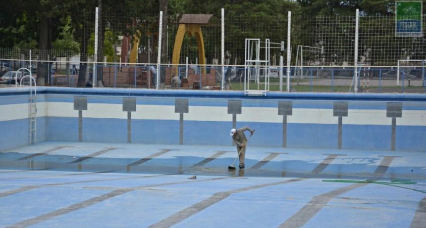OBRAS Y MANTENIMIENTO DE ESPACIOS EN EL COMPLEJO POLIDEPORTIVO MUNICIPAL