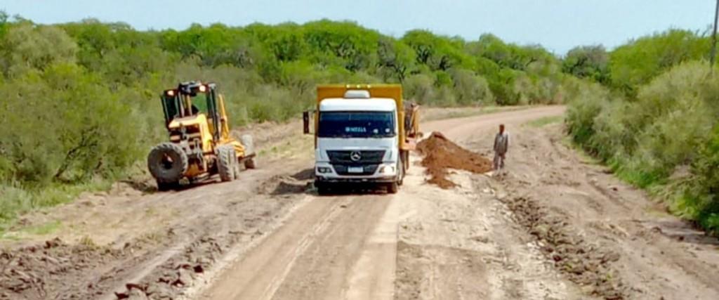Mejoran la transitabilidad del ingreso a Colonia San Lorenzo en el departamento Federal
