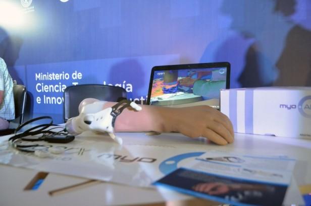 Entrerrianos crearon el primer brazo biónico de Latinoamérica