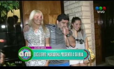 Maradona, junto a Jana: