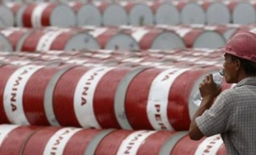 El petróleo detuvo su caída e YPF subió fuerte en Wall Street