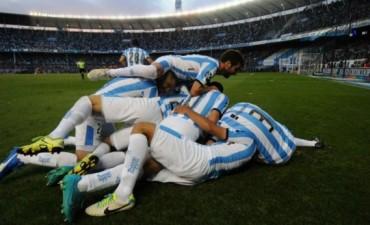 A pesar de perder el clásico ante Independiente, Racing clasificó a la Libertadores
