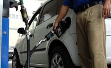 El Gobierno negocia con petroleras un acuerdo de precios de naftas para 2016