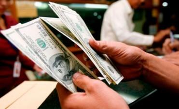 El dólar trepó 35 centavos en la semana y el blue tocó nuevo máximo histórico