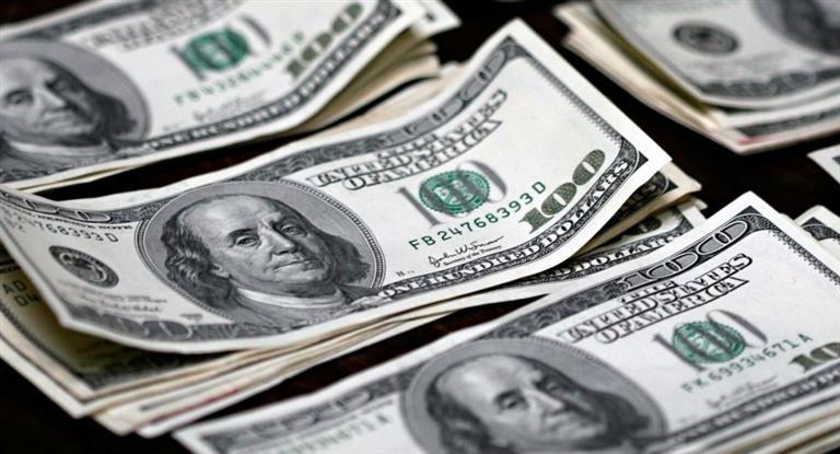 Se aceleró corrida cambiaria: el dólar voló 67 centavos a $ 19,46 tras cambios en metas de inflación (devaluación roza el 10% en dos semanas)