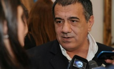 """Cáceres salió al cruce de la UCR: """"Estos dirigentes de la UCR son el furgón de cola de la peor política de la derecha"""