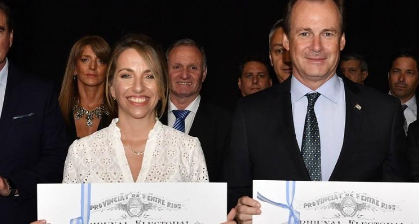 Gustavo Bordet fue proclamado gobernador y Laura Stratta vicegobernadora