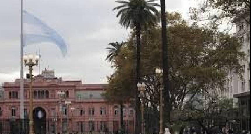 La Plaza de Mayo amaneció sin rejas este lunes